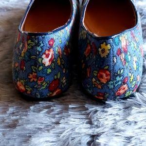 Machi Shoes - Machi Pegina Navy Floral Flats Size 7.5